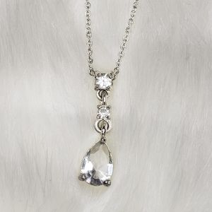 Jewelry - Short Crystal Pendant Necklace
